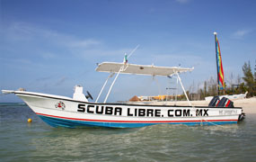 picture of the Scuba Libre boat in Playa del Carmen